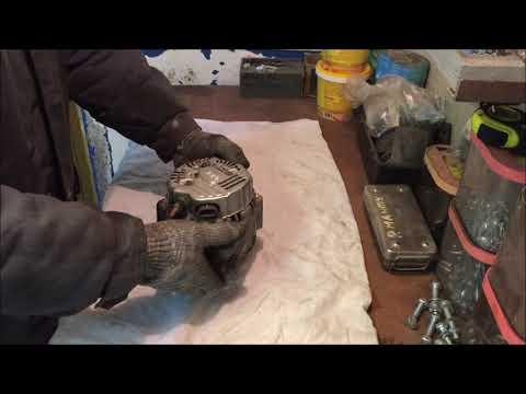 Как снять генератор на Гранд Старекс. Замена щеток генератора