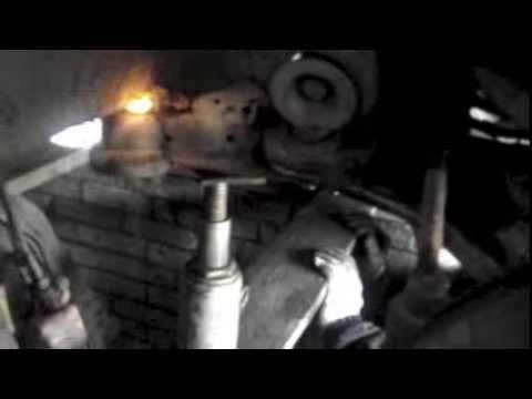 Где сайлентблоки задней балки в Mercedes Vito