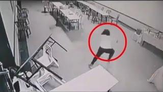 getlinkyoutube.com-5 inspiegabili fenomeni paranormali catturati da telecamere di videosorveglianza
