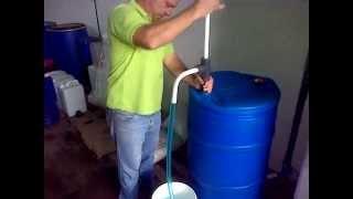 getlinkyoutube.com-bomba manual para trasiego de tambor de 200 litros