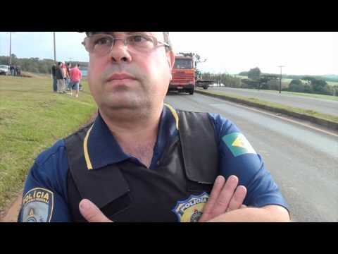 .Greve - Caminhoneiros paralisam BR 277 em Guarapuava-VÍDEO