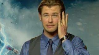 getlinkyoutube.com-Chris Hemsworth on getting slapped by Natalie Portman