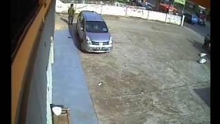 getlinkyoutube.com-kejadian pencurian uang 200 jt yg gagal  tgl 5-12-2012 jam 15.34 di marga rahayu.dv4