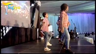 getlinkyoutube.com-Ghetto Kids (Triplet dancers ) entertain guests at DIAA 2015