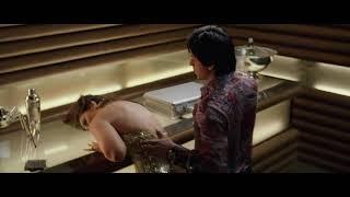 Kareena Kapoor Hot Boob Show Slow Motion