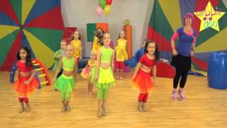 getlinkyoutube.com-Debbie Doo & Friends! - Let's Star Jump! - Dance Song For Children