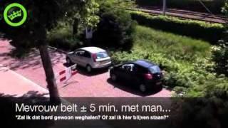 getlinkyoutube.com-Vrouwen in het verkeer
