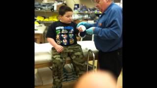 getlinkyoutube.com-Kid breaks arm / cuts head open