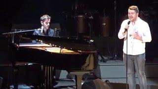 getlinkyoutube.com-Adele Invites Irish Fans Onstage To Perform