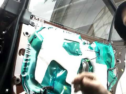 Как снять извлечь заменить стекло задней двери LEXUS ES (2016) demontaz zamiana szyby drzwi tyl!!