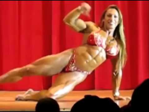 ♦ The Female bodybuilder Yaxeni Oriquen guest posing
