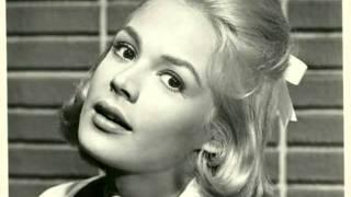 getlinkyoutube.com-Sandra Dee & Bobby Darin-Dream Lover
