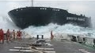 getlinkyoutube.com-Crazy Boat Crashes Caught on Camera ✔✔✔ HD