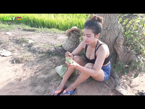 Amazing Brave Beautiful girl Catch Village snake - How to Catch Water Snake Using By Deep Hole