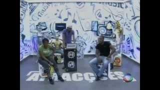 getlinkyoutube.com-Jovem moçambicana despe-se em pleno palco em Maputo