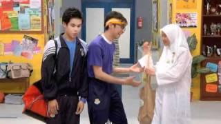 getlinkyoutube.com-Let's Get Fit - Waktu Rehat - Disney Channel Asia