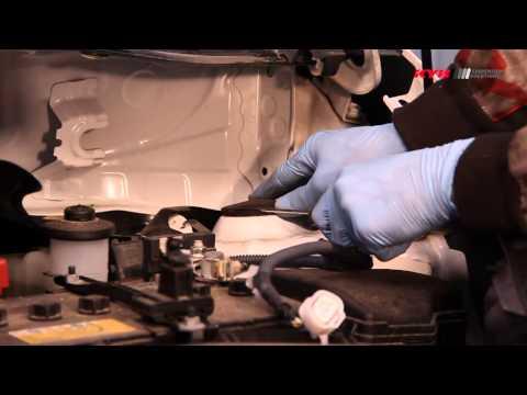 Toyota Verso S - FRONT - Передние амортизаторы KYB установка
