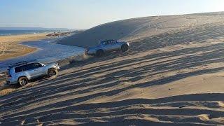 getlinkyoutube.com-Toyota Land Cruiser LC200 vs Mitsubishi Triton Sand Dune Challenge