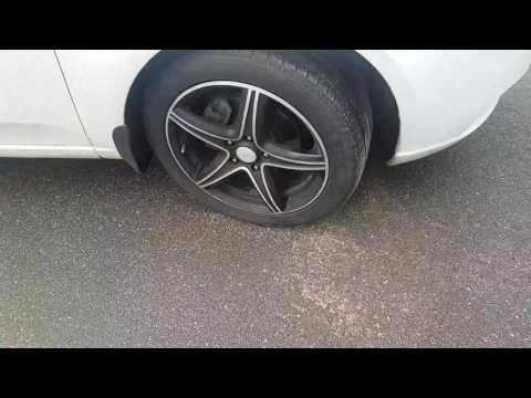 Где педаль тормоза у Acura МДХ