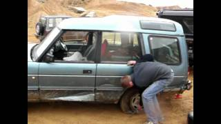 Land Rover Discovery destruction #1 'DEATH JUMP'
