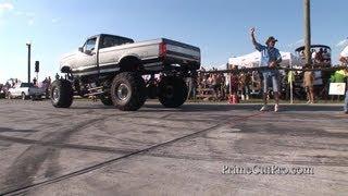 getlinkyoutube.com-Truck Pull Competition - Redneck Yacht Club