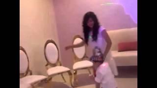 getlinkyoutube.com-شاهد ساره المنيع ترقص على انشودتها
