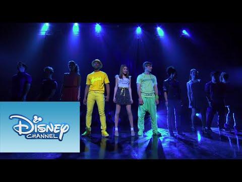 Violetta: Show final: Violetta y elenco cantan
