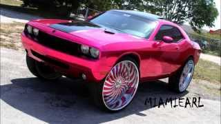 "getlinkyoutube.com-PINK CHROME WRAPPED DODGE CHALLENGER ON 32"" FORGIATO MAGRO BY TATE DESIGN"