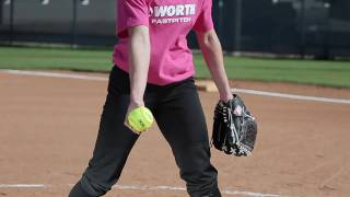 getlinkyoutube.com-Softball pitching tips with Amanda Scarborough