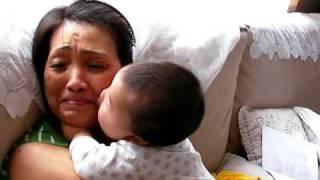 getlinkyoutube.com-Happy Leo Boy - Baby kiss attack !!!