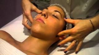 getlinkyoutube.com-SUPER TECNICA massaggio viso( trucchi del mestiere)