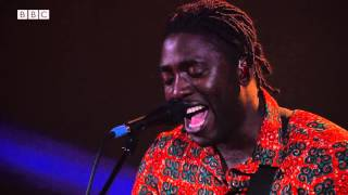 getlinkyoutube.com-Bloc Party - This Modern Love (6 Music Live at Maida Vale October 2015)