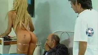 getlinkyoutube.com-Yanina Zilly con un hilo dental en el orto (480 x 360).mp4