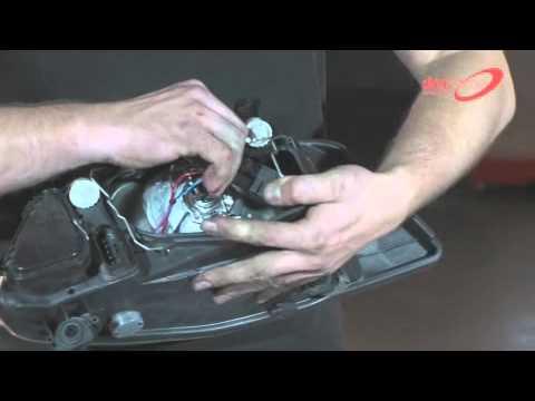 SEAT Ibiza 6L - передние фары