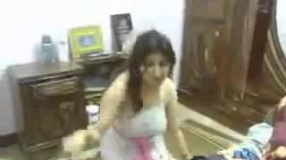 getlinkyoutube.com-رقص بلدي ناعم بقميص النوم جنسي سكسي جامد  YouTube