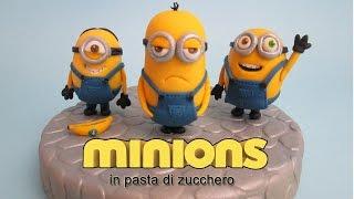 getlinkyoutube.com-Come fare i Minions in pasta di zucchero, cake topper tutorial