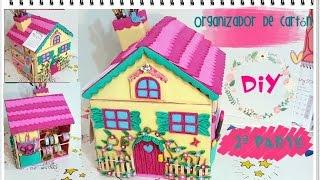getlinkyoutube.com-DIY Organizador de cartón con forma de casita (II parte)