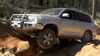 getlinkyoutube.com-Landcruiser 105 vs 200 Sahara at Newnes / Zig Zag