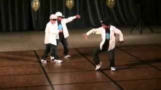getlinkyoutube.com-3 kid robot dance - awesome