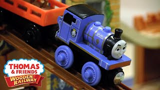 getlinkyoutube.com-Deluxe King of the Railway Set Review | Thomas Wooden Railway Discussion #77