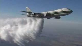 getlinkyoutube.com-Boeing 747:  High Altitude Water Drop