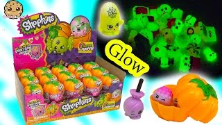 getlinkyoutube.com-Unboxing Full Box of 30 Shopkins Halloween Glow In The Dark Pumpkin Surprise Blind Bags