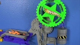 getlinkyoutube.com-Power Pulley Hot Wheels Wall Tracks Track Set Addition