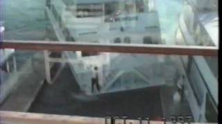 getlinkyoutube.com-Cruise Crash Docking