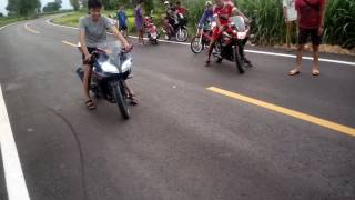 getlinkyoutube.com-Yamaha R15 vs Honda CBR150