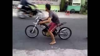 getlinkyoutube.com-Drag Bike Satria FU 250cc (TK TECH)