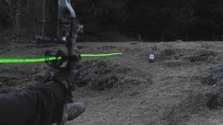 getlinkyoutube.com-Shooting carbon arrows with lighted nocks from a compound bow