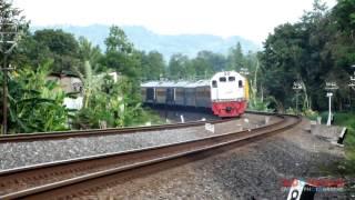 getlinkyoutube.com-Kereta Api Gayabaru Malam Selatan