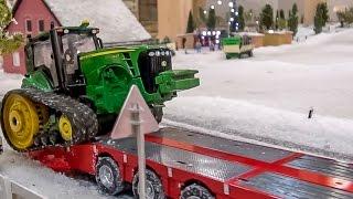 getlinkyoutube.com-RC tractor John Deere transported by a Scania R/C truck! Siku Control fun!