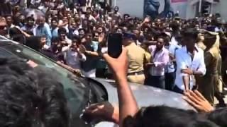 Crowd for Nayanthara in Salem for Kalyan silks opening.